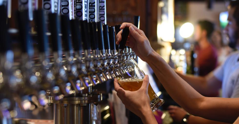 bar-alcohol-alcoholic-beverage