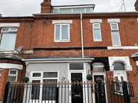 freehold six bedroom hmo - 1
