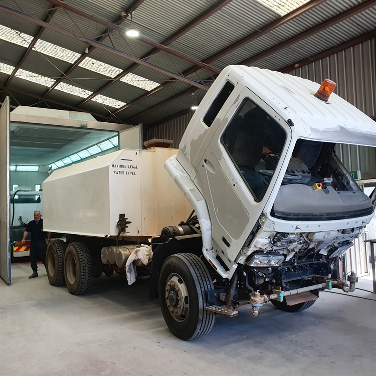 cundari bros truck smash - 5
