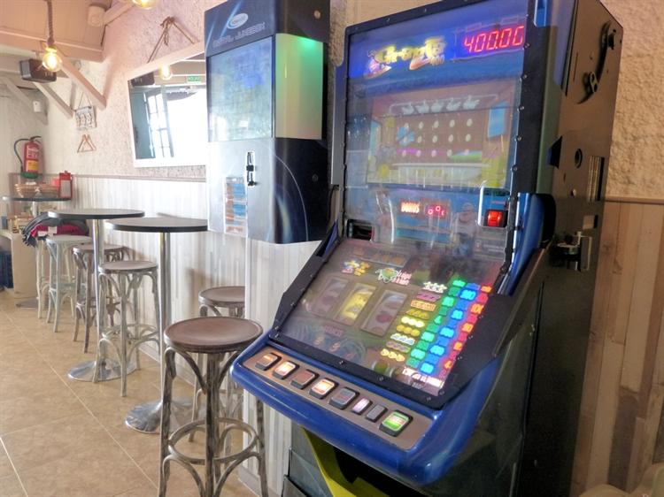 beach road cafe bar - 11