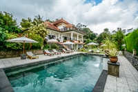 The colonial villa & pool