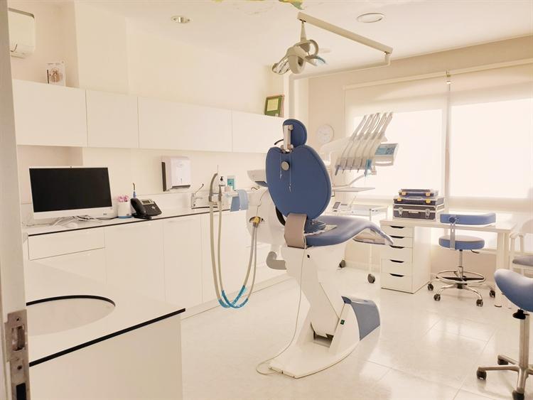 long established dental clinic - 5