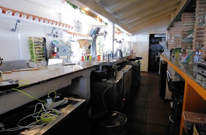 fuengirola harbour side cafe - 11