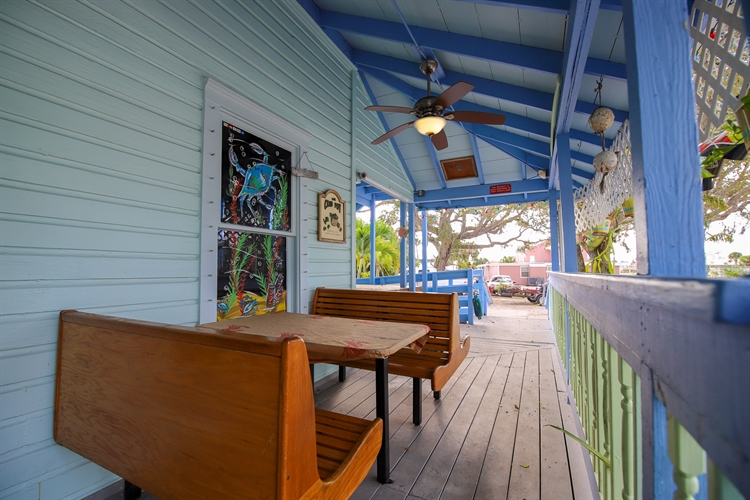 turnkey seafood house full - 12