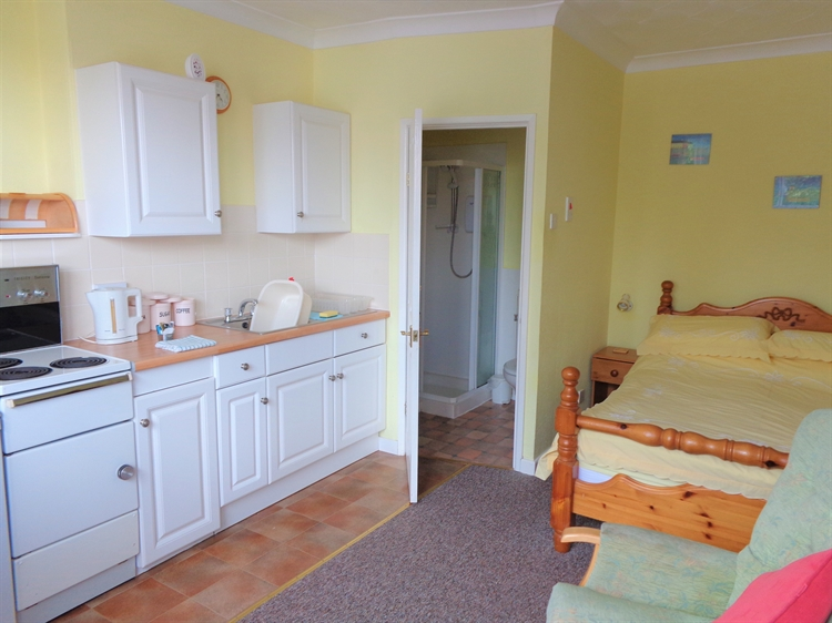 self catering holiday flats - 12