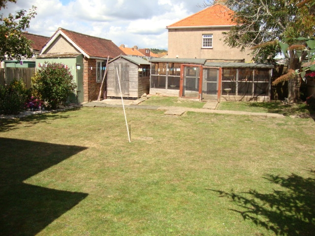 freehold two bedroom flat - 4