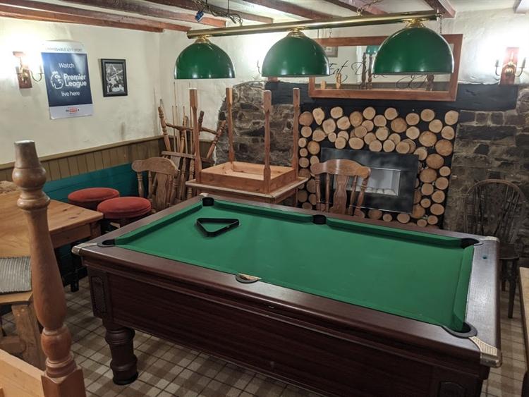 pictuesque thatched village pub - 5