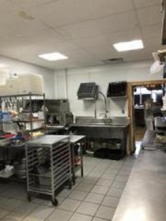 established bar grill nassau - 4