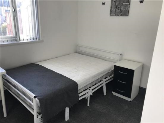freehold six bedroom hmo - 10