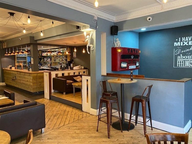 leasehold bar restaurant located - 6