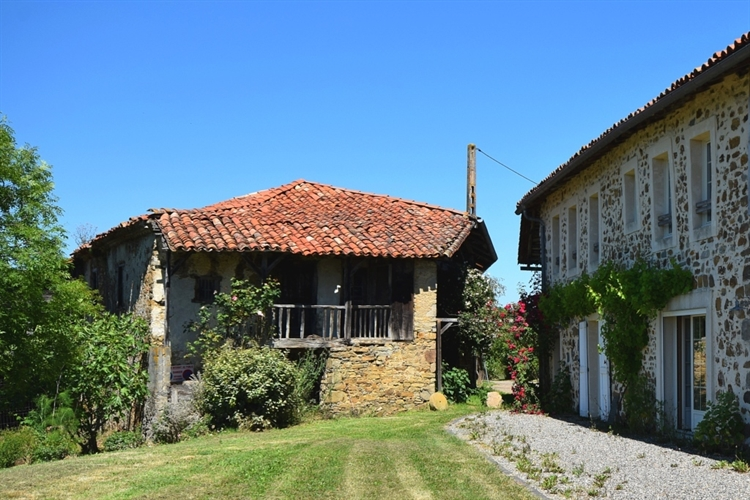 exceptional hilltop property pyrenees - 6