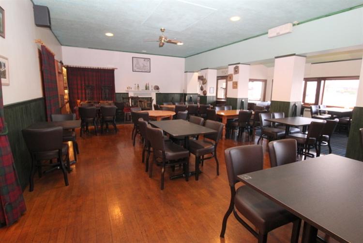 exceptional restaurant bar on - 11