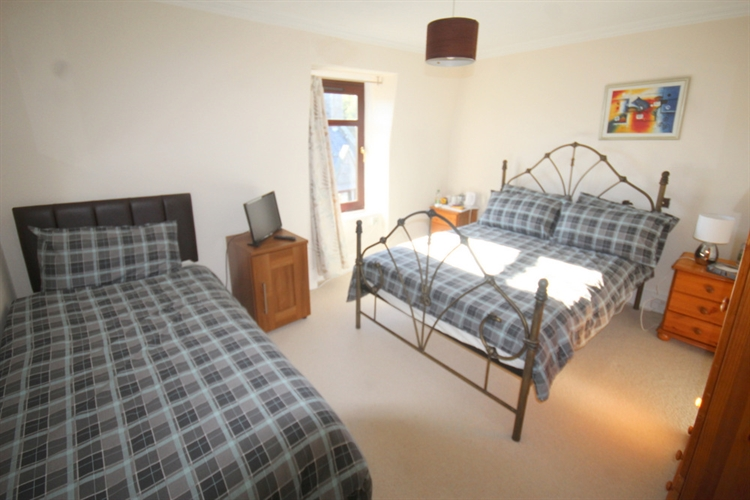 charming 11 bedroom hotel - 11