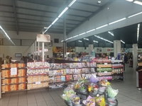 well located foods retailers - 2
