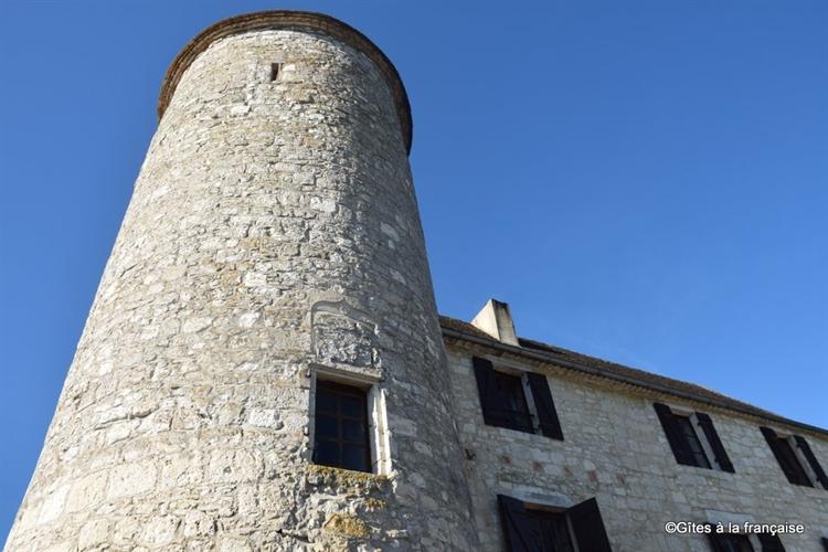 chateau with nine hole - 11