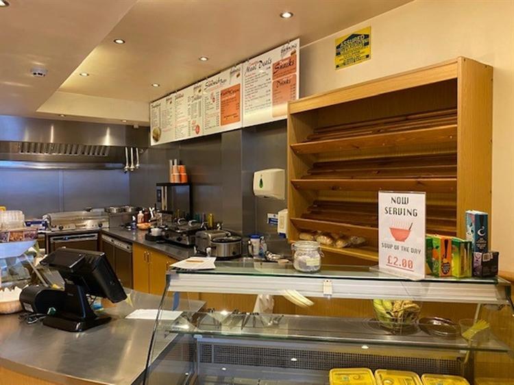 sandwich bar takeaway located - 5
