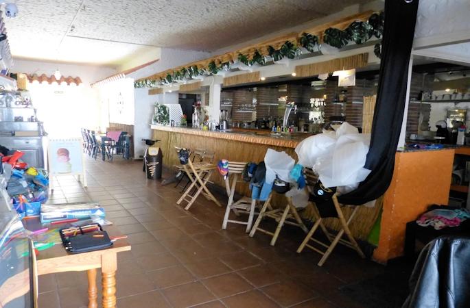 fuengirola harbour side cafe - 4