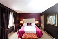 feathers hotel woodstock - 3