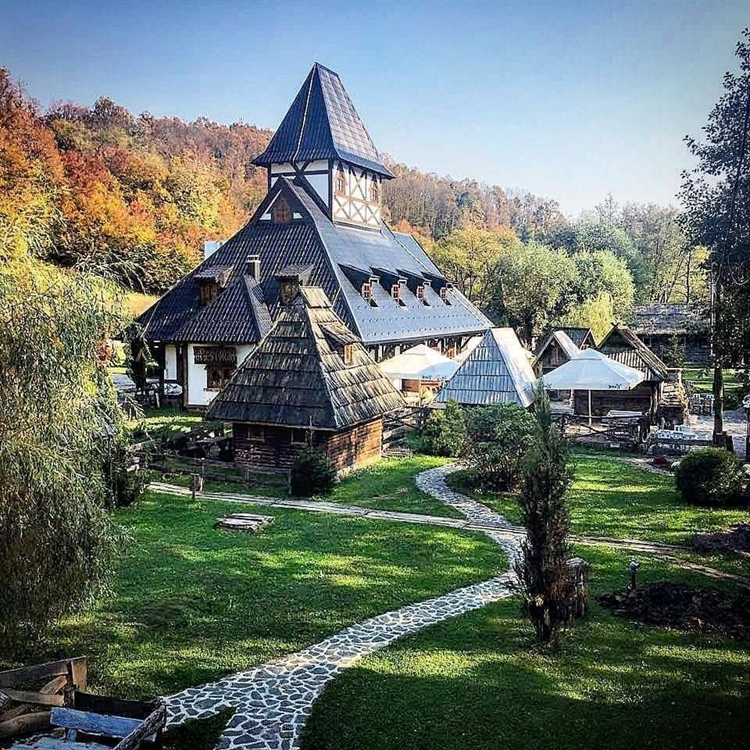 successful eastern european hotel - 4