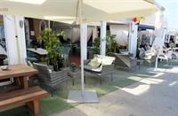 fuengirola harbour side cafe - 1