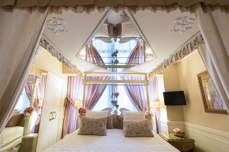 licensed luxury hotel for - 4