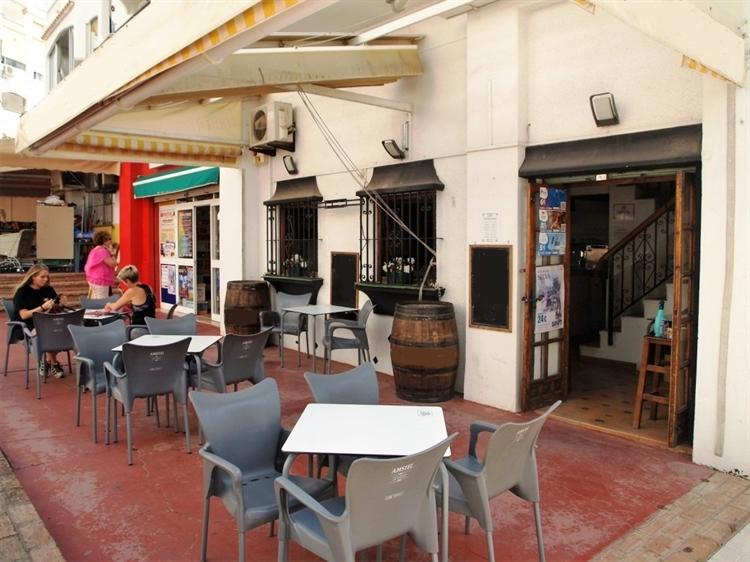 cosy quaint cafe bar - 6