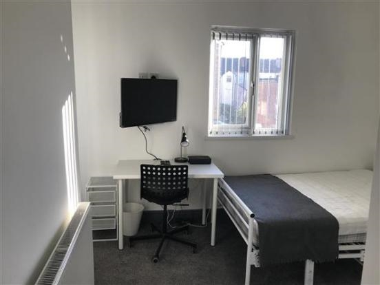 freehold six bedroom hmo - 13
