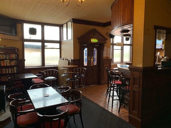 public bar separate restaurant - 11