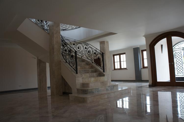 10 bedroom property ideal - 4