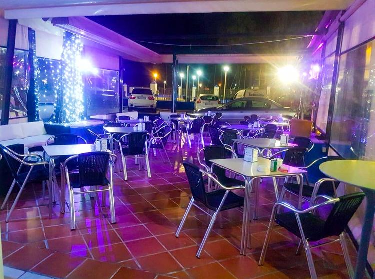 cafe bar right opposite - 4