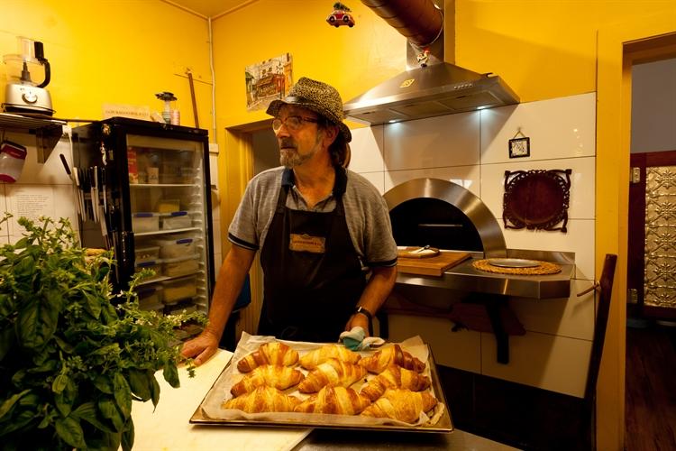 cafe wood-fire bakery communal - 8