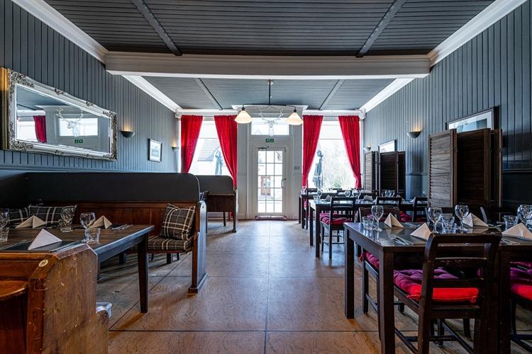 superbly presented hotel inn - 6