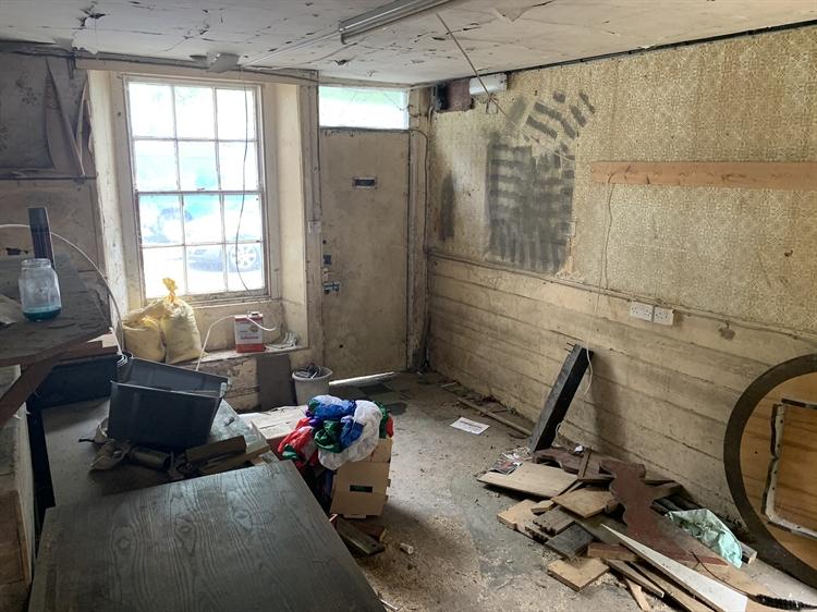 substantial freehold property ashburton - 6