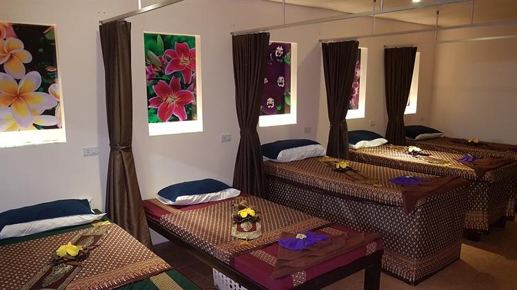 double wide massage spa - 4