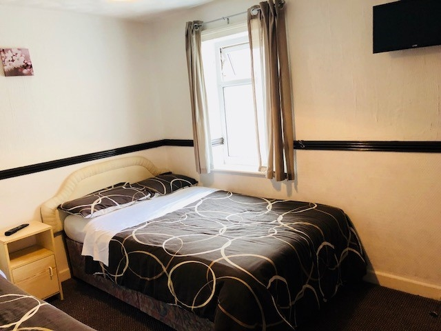 bedroom licensed hotel blackpool - 6
