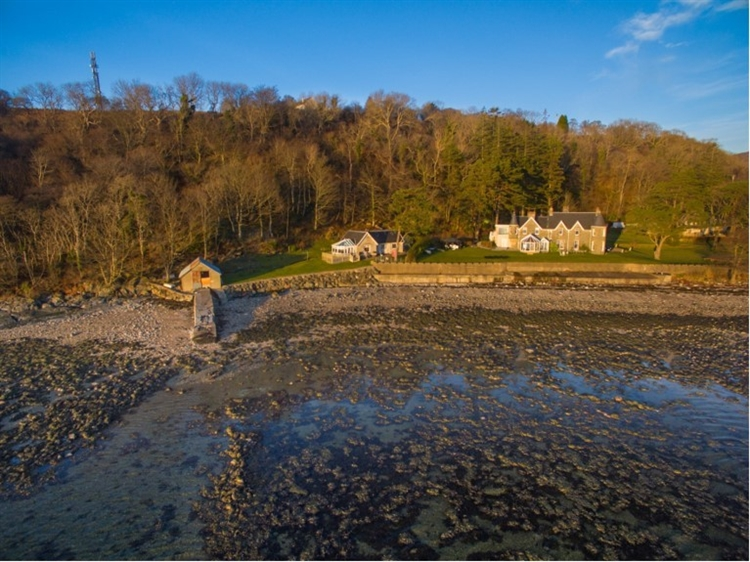 holiday cottages with loch - 10