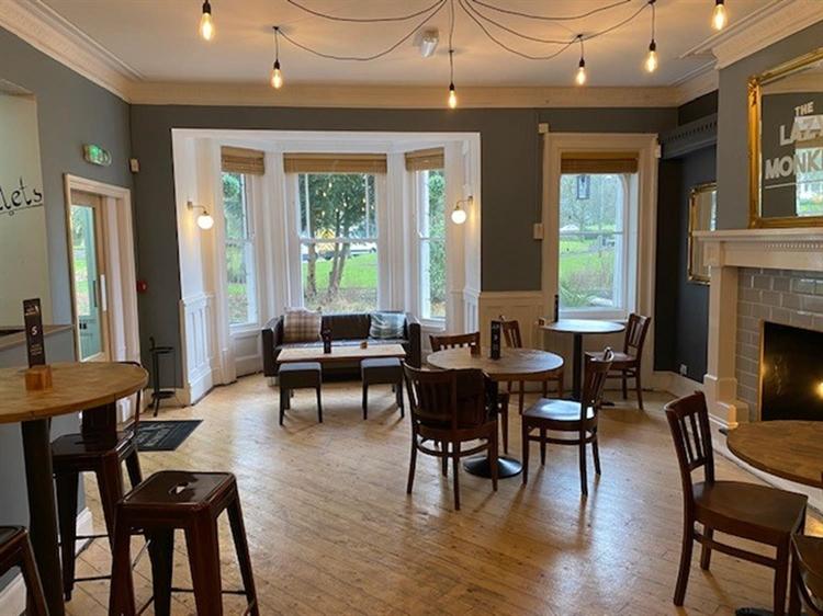 leasehold bar restaurant located - 8
