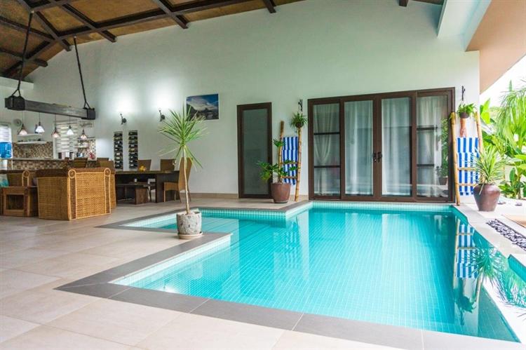 luxury airbnb villa el - 4