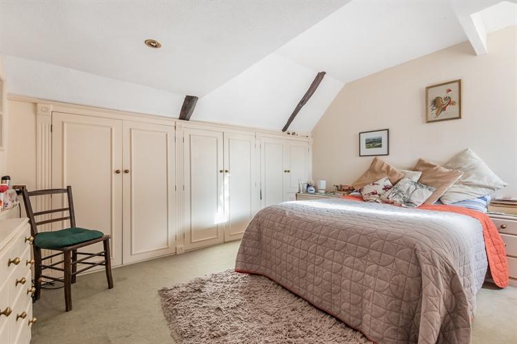 character tea rooms 2-bedroom - 8