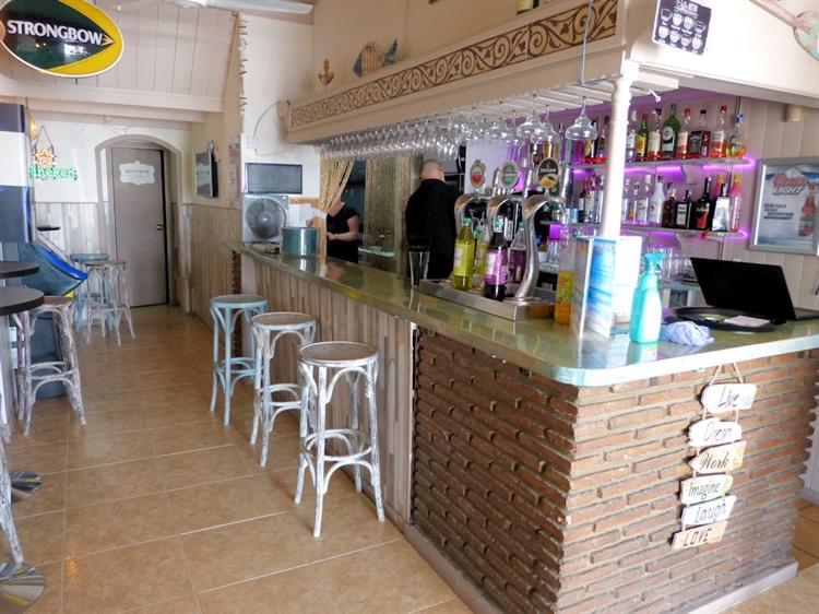 beach road cafe bar - 13