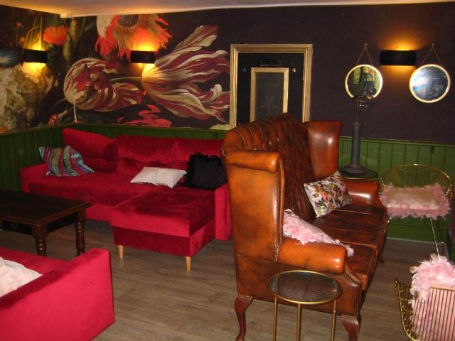 licenced café bar located - 7