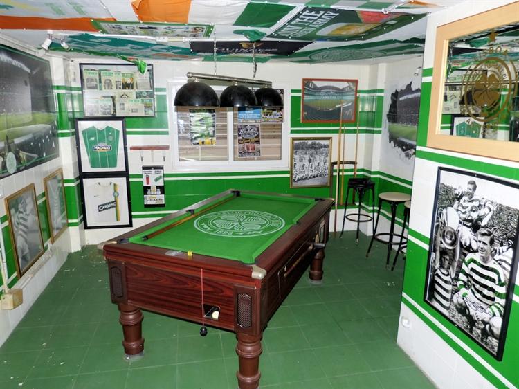long established irish themed - 4