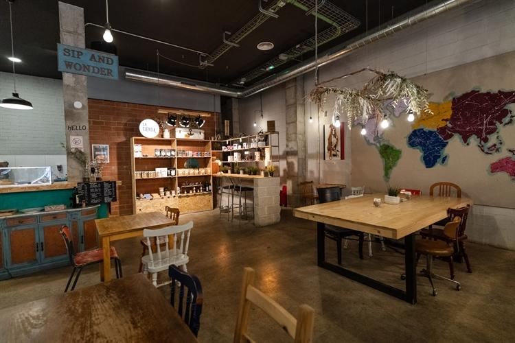 successful specialty coffee shop - 4