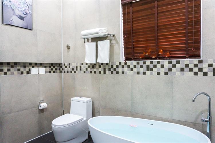 luxury airbnb villa el - 14