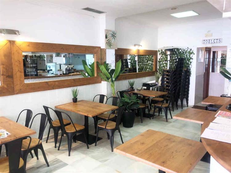 frontline fantastic restaurant benalmadena - 7