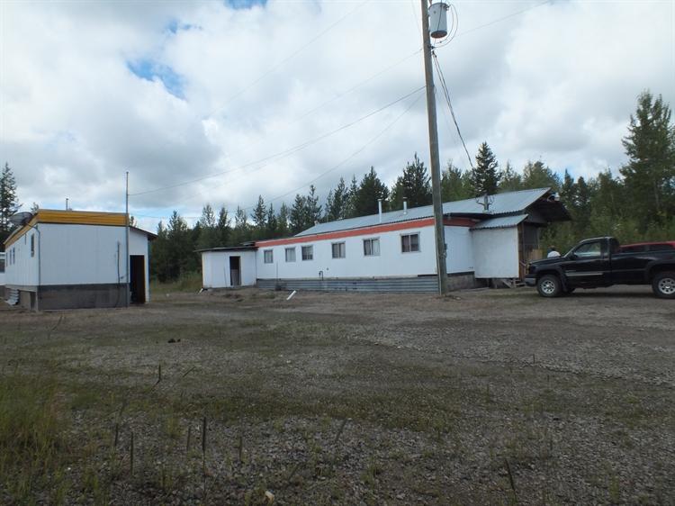 established resort cariboo area - 4