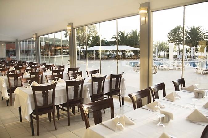 popular beachfront hotel izmir - 14