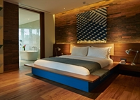 modern hotel 300m to - 1