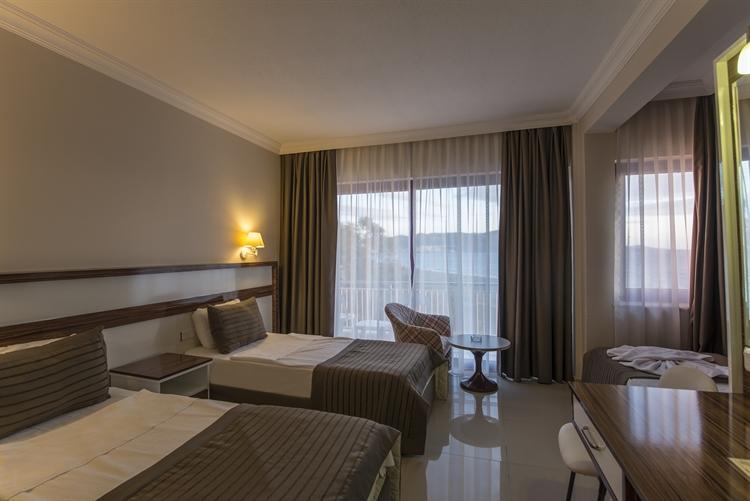 popular beachfront hotel izmir - 6
