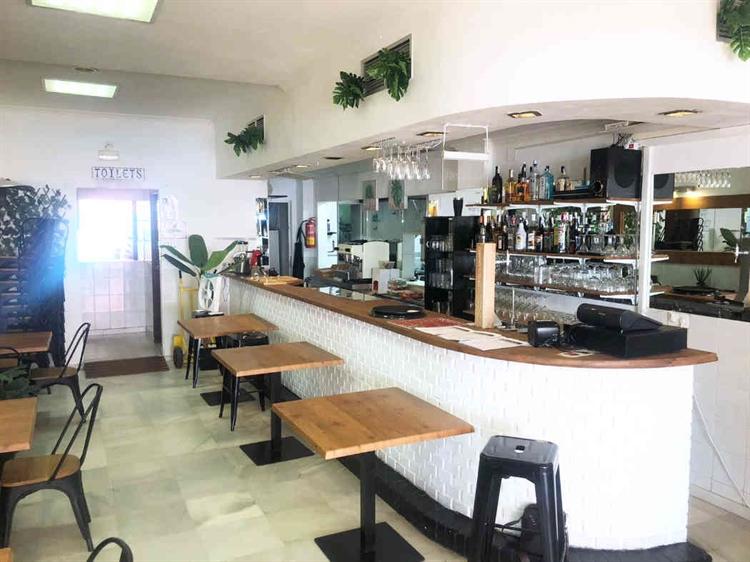 frontline fantastic restaurant benalmadena - 8